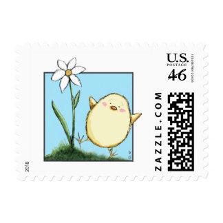 Pequeños polluelo feliz y flor de Pascua - pequeño