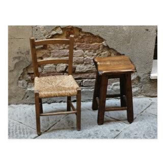 Pequeños silla y taburete, Pienza, Italia Postal