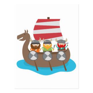 Pequeños Vikingos en nave Tarjetas Postales
