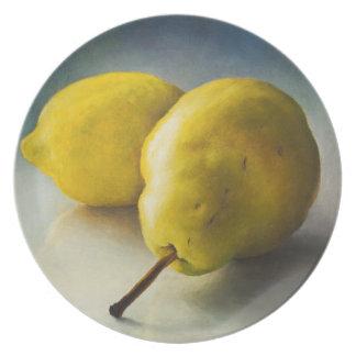 Pera y limón plato de comida