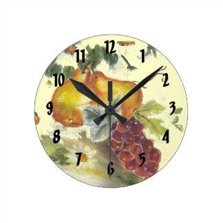 pera y uvas reloj de pared