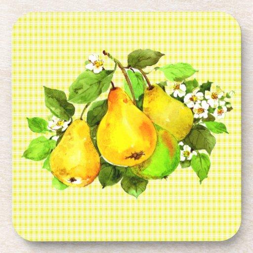 Peras en la tela escocesa amarilla posavasos de bebida