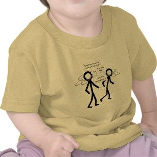 Perder una camiseta del niño del chiste del electr