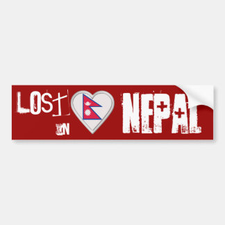 Perdido en corazón nepalés de la bandera de Nepal Pegatina De Parachoque
