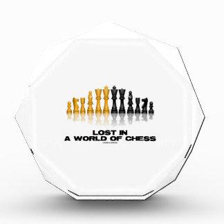 Perdido en un mundo del ajedrez (juego de ajedrez