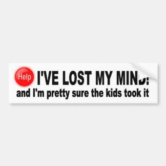 Perdió mi mente, seguro bonito los niños lo tomó pegatina para auto