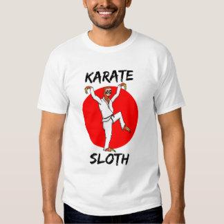 Pereza que hace la bandera de Japón del karate Polera