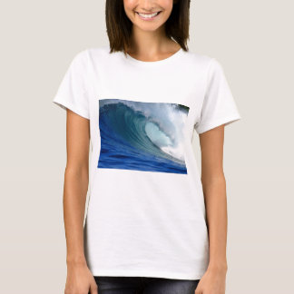 Perfect blue ocean surfing wave T-Shirt