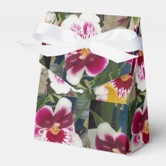 PERFECT FAVOR BOX - LUXURIOUS FLORAL DESIGN