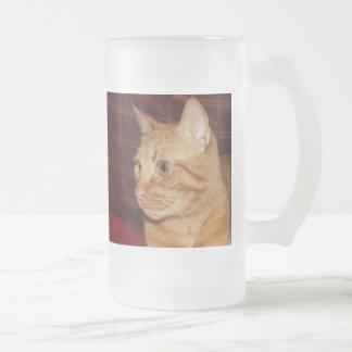 Perfil anaranjado de la cara del gato de Tabby Taza De Cristal