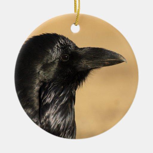 perfil del cuervo adorno navideño redondo de cerámica