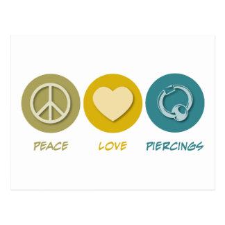 Perforaciones del amor de la paz tarjeta postal