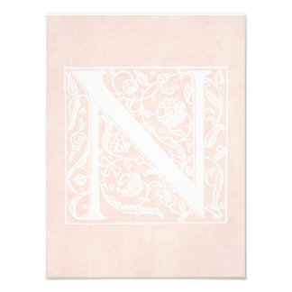 "Pergamino ""N "" del rosa color de rosa del monogram Cojinete"