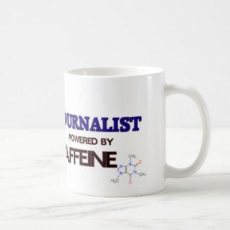 Periodista accionado por el cafeína taza básica blanca
