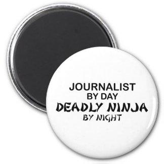 Periodista Ninja mortal por noche Imán De Frigorifico