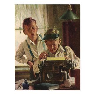 Periodistas del periódico del muchacho de los postales