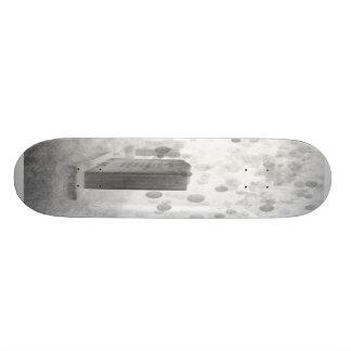 Perish 4 Skateboard ( black and white )