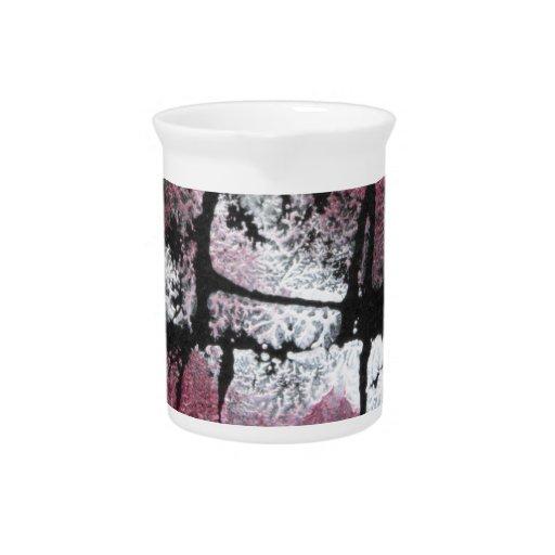 Perla de rubíes en negro jarra de beber
