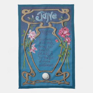 Perla y rosas del cumpleaños de junio toallas de cocina