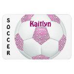 Perlas blancas en balón de fútbol rosado iman