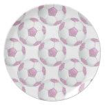 Perlas blancas en balón de fútbol rosado platos para fiestas