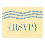 Perlas elegantes que casan la postal de RSVP, azul