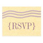 Perlas elegantes que casan la postal de RSVP, lava