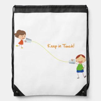 Permanece en contacto la mochila del lazo (de los