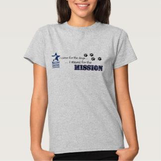 Permanecía para el camisetas de la misión poleras