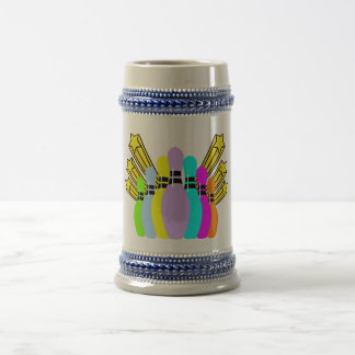 Pernos de bolos coloridos jarra de cerveza