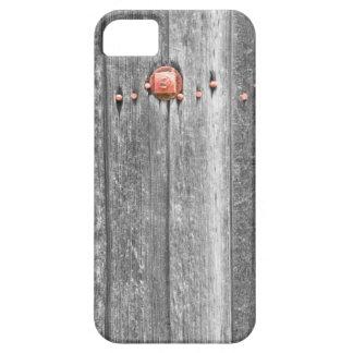 Pernos de madera BWSC de la textura y del rojo del iPhone 5 Fundas