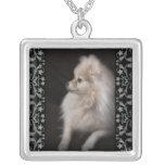 Perrito adorablemente lindo de Pomeranian Colgante Personalizado
