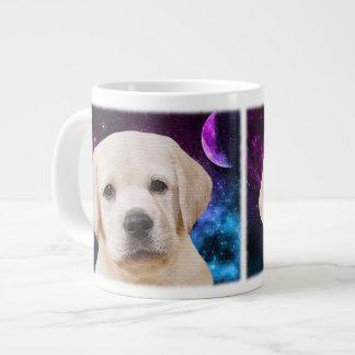 Perrito amarillo de Labrador Taza De Café Gigante