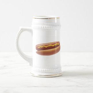Perrito caliente con la mostaza jarra de cerveza