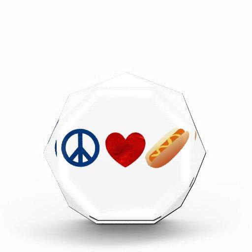 Perrito caliente del amor de la paz