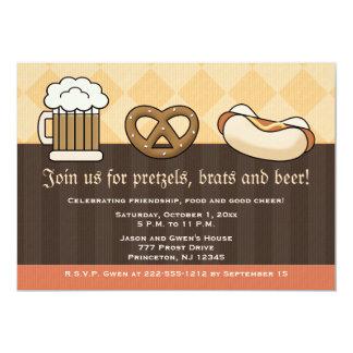 """Perrito caliente del pretzel de la taza de cerveza invitación 5"""" x 7"""""""