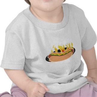 Perrito caliente llameante camiseta