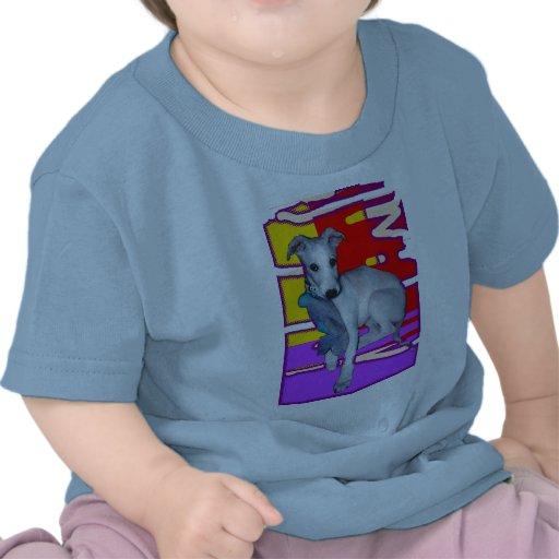 Perrito con la camisa del Niño-T del juguete