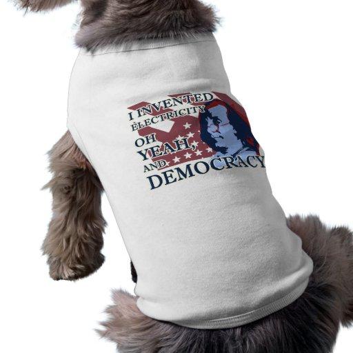 Perrito de la electricidad y de la democracia de B Camisetas De Perro