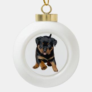 Perrito de Rottweiler que corre con la lengua Adorno De Cerámica En Forma De Bola