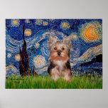 Perrito de Yorkshire Terrier - noche estrellada Poster