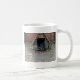 Perrito del Dachshund en caseta de perro Taza De Café