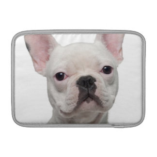 Perrito del dogo francés (5 meses) fundas para macbook air
