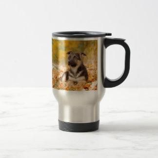 Perrito del perro de pastor alemán del otoño taza de viaje de acero inoxidable