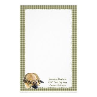 Perrito del perro de pastor alemán papeleria de diseño