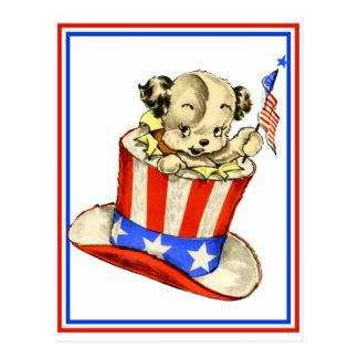 Perrito del vintage con la postal de la bandera
