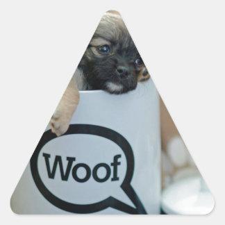 Perrito en un mascota de Brown del perro del Pegatina Triangular