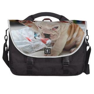 Perrito inglés del dogo del saludo lindo bolsas de portatil
