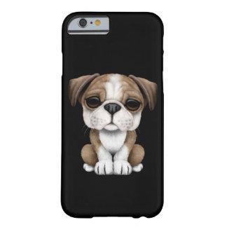 Perrito inglés lindo del dogo en negro funda de iPhone 6 barely there