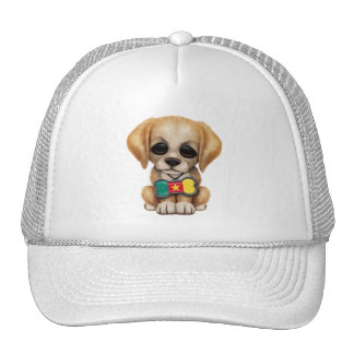 Perrito lindo con la etiqueta del mascota de la ba gorra